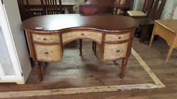 Delong S Furniture Pre Owned Bedroom Furniture