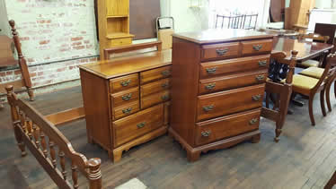 Cherry Full Size Bedroom Set